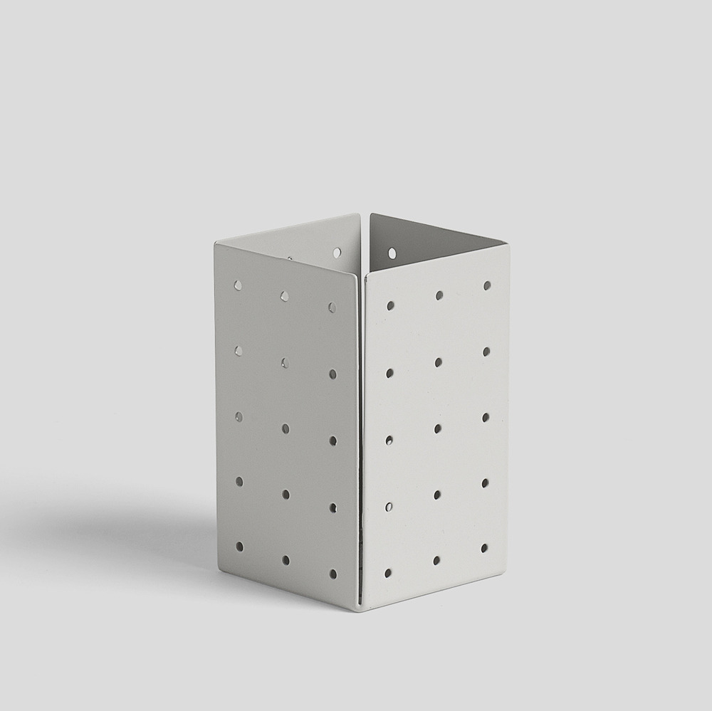 Punched Organizer Pen Holder